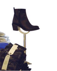 Schuhpräsenter aus Acrylglas